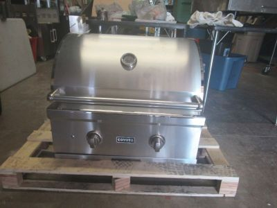 W.L.A.R COYOTE OUTDOOR LIVING GRILLS..