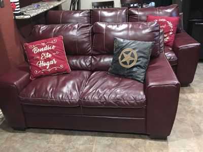 Living room 2 piece leather Sofa and love seat