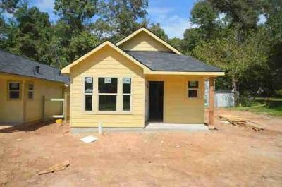 16916 W Ivanhoe Montgomery Three BR, Looking for a new home