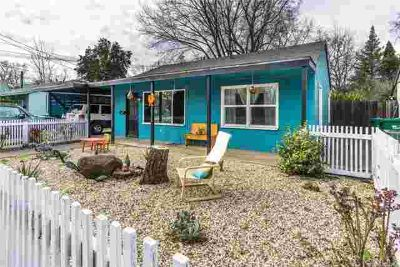 1070 E 9th Street Chico Three BR, Cute and clean home located