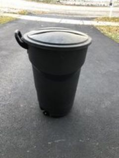 Rubbermaid garbage can on wheels