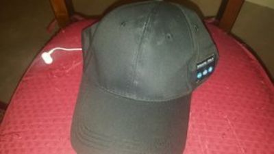 BLUETOOTH HAT WITH EARBUDS