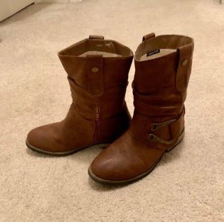 *Women s Stylish Brown Ankle Boots*