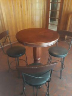Table and 3 Bar Stools