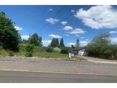 3 Bed 1.5 Bath Preforeclosure Property in Salem, OR 97301 - Center St NE # 3093