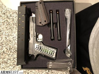 For Sale/Trade: Remington R1 Enhanced Commander .45 ACP 1911