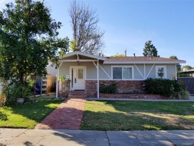 For Lease: 3 Bed 2 Bath house in Woodland Hills for $4,350