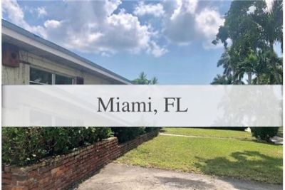 Spacious 3 bedrooms plus den and 2 baths. Washer/Dryer Hookups!