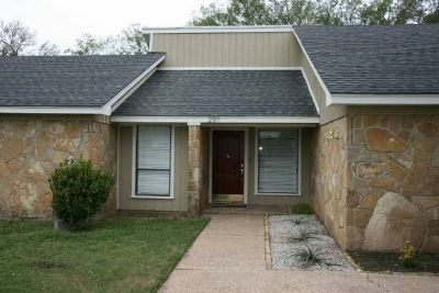 x0024217500  4br - 2672ftsup2 - Lovely 4 Bedroom 2 Bath 2 Living Home in Beautiful Harris Creek