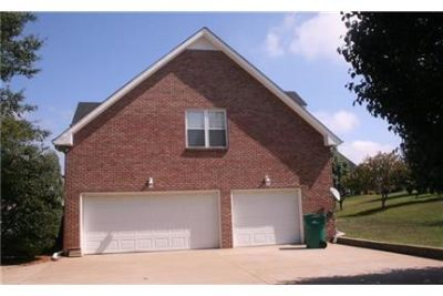 4 bedroom, 3.5 bath Home for Rent in the Heart of Savannah!
