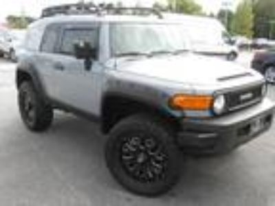 2013 Toyota FJ Cruiser Base Trail Team Pack. lifted wheels & tires