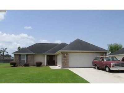 3 Bed 2 Bath Foreclosure Property in Houma, LA 70363 - Baptiste Cir