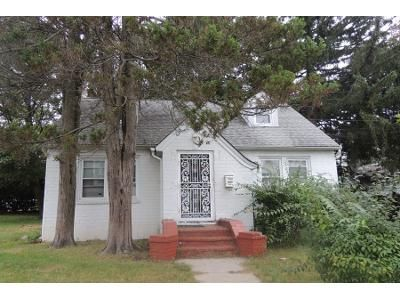 1.0 Bath Preforeclosure Property in Uniondale, NY 11553 - Norris Ave