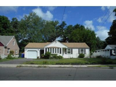2 Bed 1.5 Bath Foreclosure Property in Springfield, MA 01109 - Bay St
