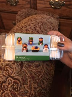 Christmas craft plaster kit retails 6.99. 5 pods paint and 6 figures
