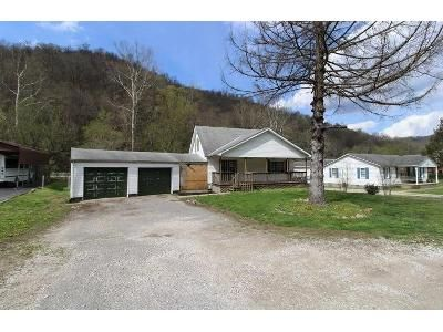 2 Bed 2 Bath Foreclosure Property in Charleston, WV 25306 - Campbells Creek Dr