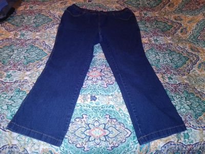 Pull-on jeans size 2X (18-20). Pick up in Deer Island.