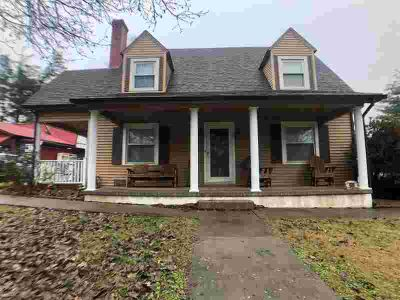 609 N Main Street Elizabethtown Three BR, You must come tour this
