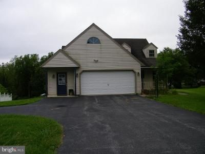 3 Bed 2.5 Bath Foreclosure Property in Dover, PA 17315 - Sherwood Ln
