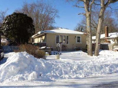 3 Bed 1 Bath Foreclosure Property in Mastic, NY 11950 - Gores Dr