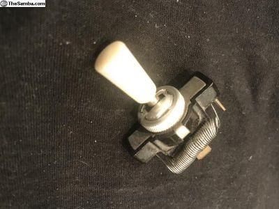 Early fog light or accessory switch ? VW logo