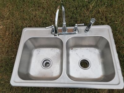 Kitchen sink with great delta faucet