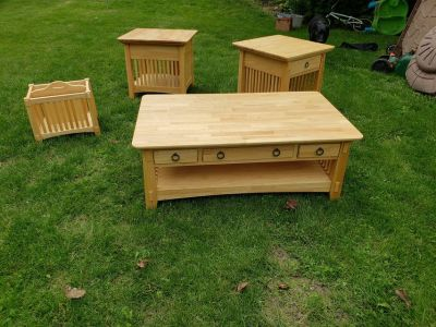 Arts & Crafts brand coffee table set with 2 end tables & magazine rack