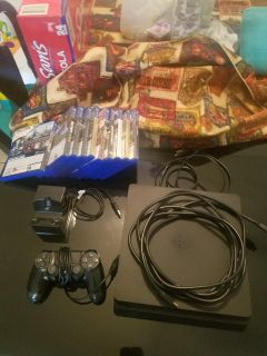 """Ps4 with games """"Play Station 4"""""""