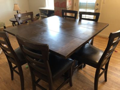 Bar Height Table w/ 6 Stools