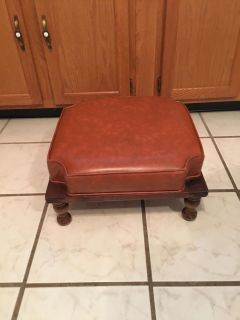 """Unique Vintage Style Foot Stool on wood Base W/ Legs 17""""X17"""" X 8""""Tall (See Other Photos &Description)"""