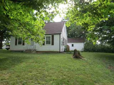 0550 S 175 W Hartford City, Cute home in the country on 2