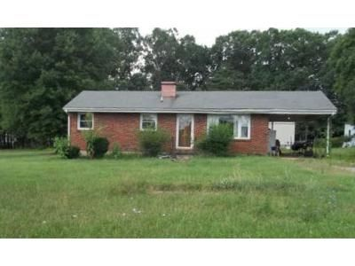 3 Bed 1 Bath Foreclosure Property in Gretna, VA 24557 - Zion Rd