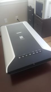 Canon-Conoscan 5600F Flatbed Scanner