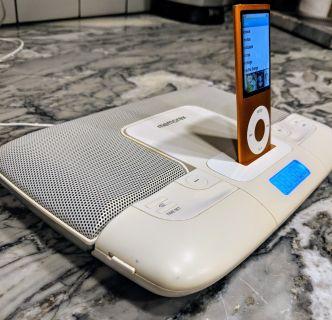 iPod Dock - dual speakers/charging dock/clock