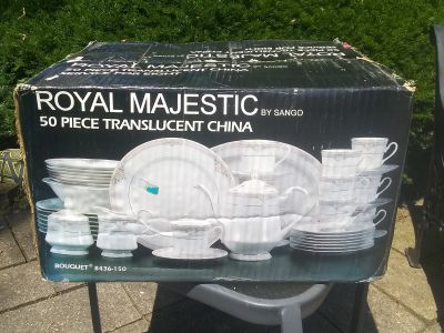 Royal Majestic 50 Piece Fine China