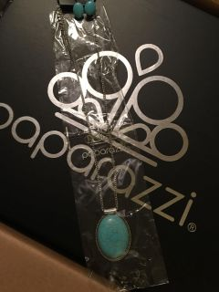 Gorgeous teal set for only $5.00(comes with free earrings)