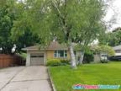 Cute 3 BD/One BA in South St. Paul, Available 8/1