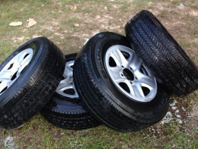 $250 18in 5 lug rims an tires for sale