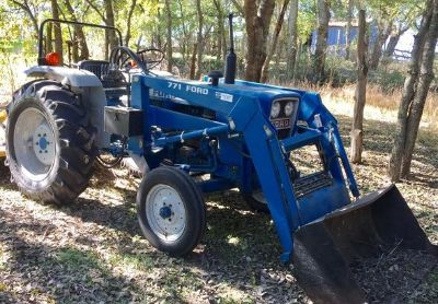 1989 Ford 1900-771-Tractor