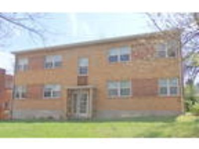 2655 Madison Rd #1 | Spacious Two BR apartment in Hyde Park | Off Street ...