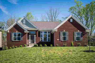17007 Vista Lake Ct Louisville Three BR, Welcome Home to this