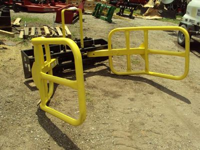Hydraulic round bale squeeze for skid steer loader or tractor NEW