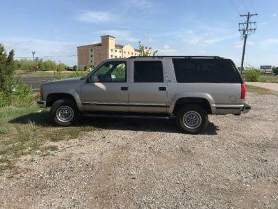 1998 GMC Suburban 2500 4WD