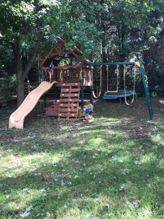 SWING SET NEED GONE ASAP! OPEN TO OFFERS TO GO