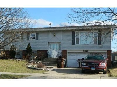 3 Bed 2 Bath Foreclosure Property in Oak Forest, IL 60452 - Essex Rd