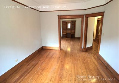 Wrigleyville – Updated 2-Bedroom/1-Bath Apartment - Available NOW!