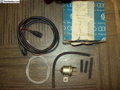 NOS electro valve solenoid p/n 211906283
