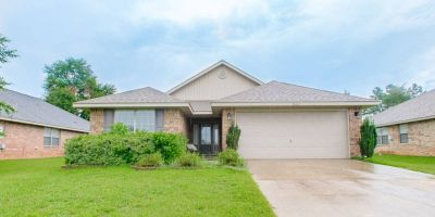 3 Bedroom Brick Home In Bay Branch Estates, Daphne