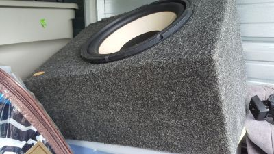"""Infinity Single 12"""" Enclosed Subwoofer box (Price Reduced)"""