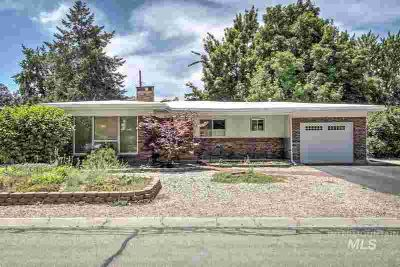 6921 W Holiday Drive BOISE Three BR, Nestled quietly in the